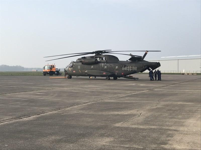 Rheinmetall übernimmt die ersten CH-53G zur Wartung