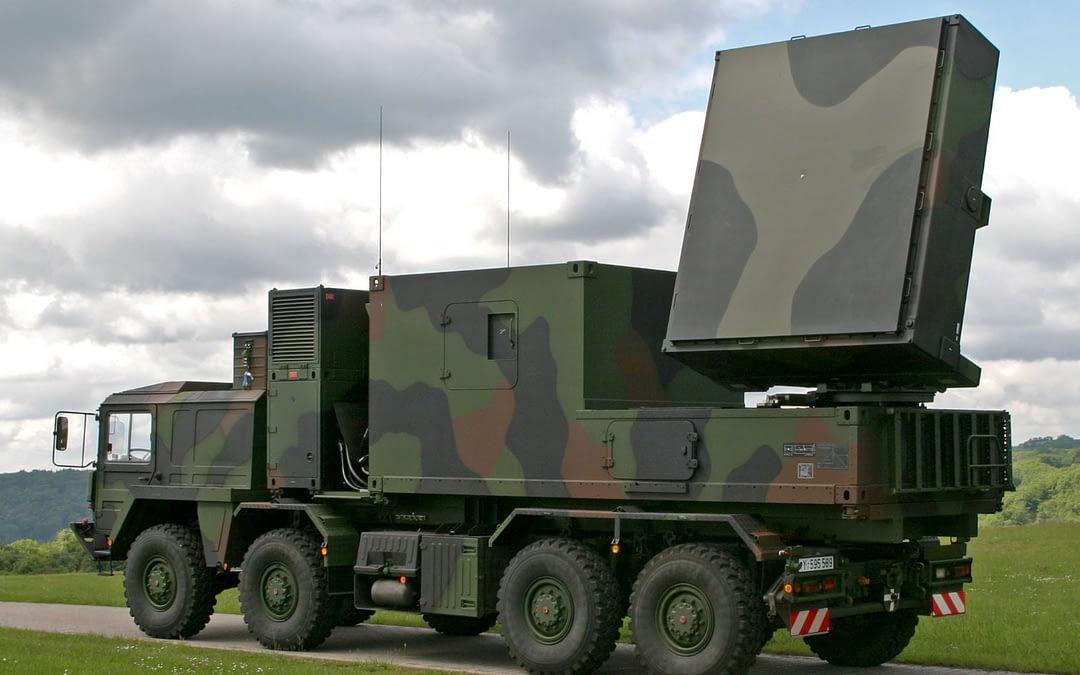 HENSOLDT modernisiert Artillerie-Ortungsradar COBRA